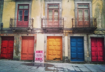 Doors and colours | 2015 | Rúa das Flores - Porto, Portugal