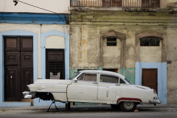 old cars in cuba 18 , cuban workshops led by louis alarcon