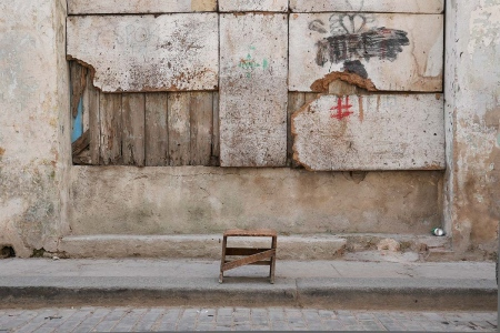 chair in havana 7 , photography tour by louis alarcon