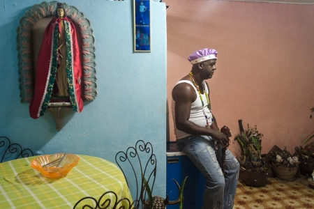afrocuban priest in havana, photography tours by louis alarcon