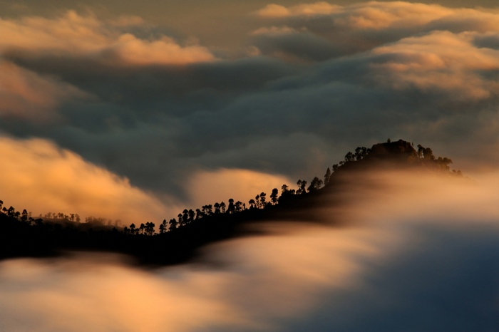 Daniel Montero · dancing with clouds