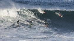 Fiesta en la ola, segunda bajada de su vida, de Pablo Joglar en la ola (Asturies).