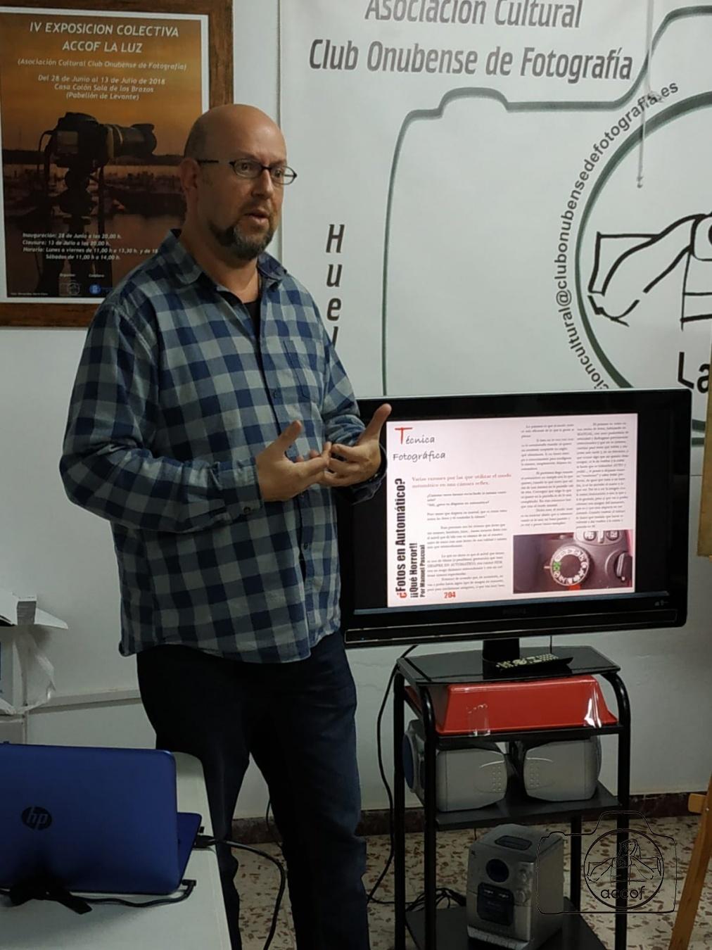 Presentada la Revista Informativa la Luz - ACCOF la Luz, Asociación Cultural Club Onubense de Fotografía la Luz