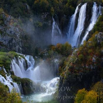 Mensaje Viviente - Parque Nacional de los Lagos de Plivitce, Croacia. Edición: 10/10 + 2P/A