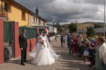 Salida de casa de la novia en Puebla de Sanabria