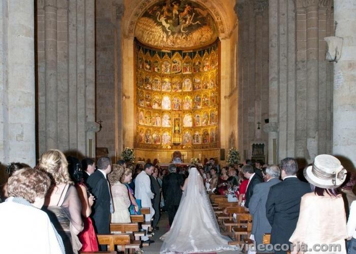 Boda en la Catedral Vieja de Salamanca