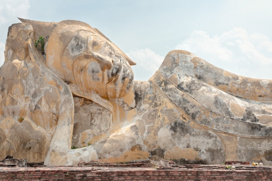 Buda Acostado en Wat Lokayasutharam, Tailandia | Dani Vottero, fotógrafo de viaje