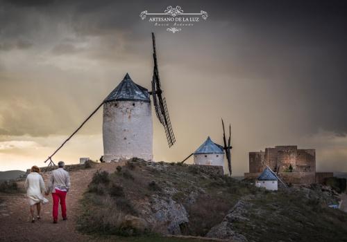 Artesano de la Luz - Sesión de preboda en los molinos de Consuegra en Toledo