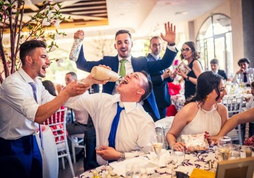 Artesano de la Luz - fotos de boda en la sobremesa de la boda
