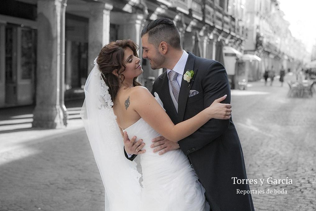 Calle mayor de Alcalá de Henares - Fotografías - Libros y reportajes de boda diferentes.