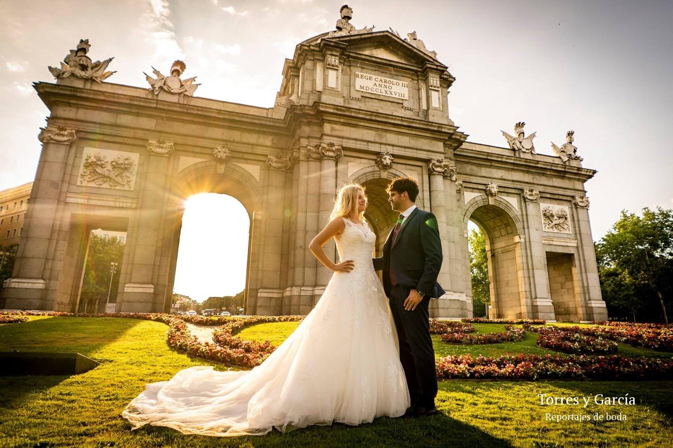 reportajes de boda en Madrid - Fotografías - Libros y reportajes de boda diferentes.
