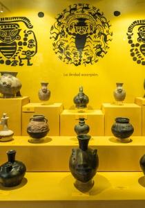 DSC_9827 Vasijas representan la Deidad Escorpion museo de sitio tucume