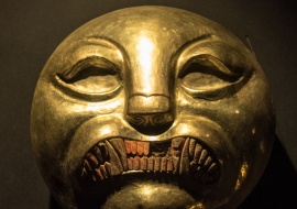 DSC_9816 pieza de collar de oro representacion felinos