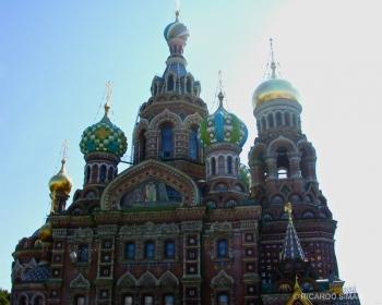 Catedral de San Salvador de la sangre derramada, en honor al Zar Alejandro II en St. Pettesburgo, Rusia