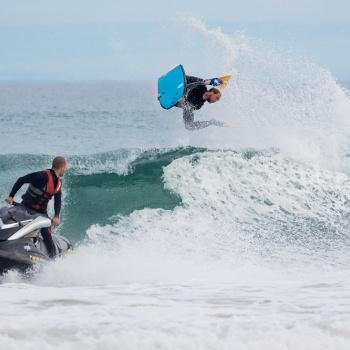 Surf de arrastre (towout)